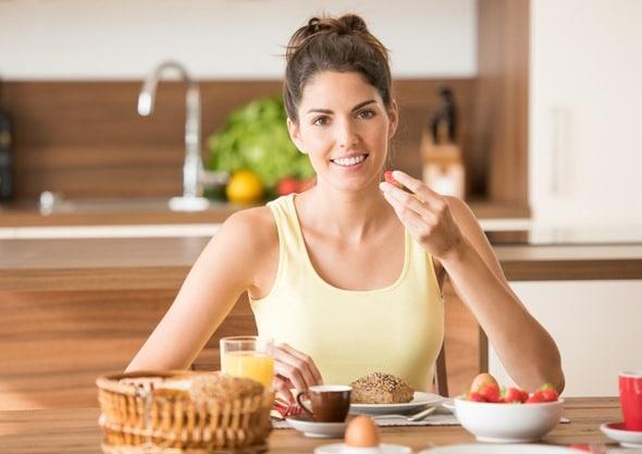 Bruna che gode della prima colazione