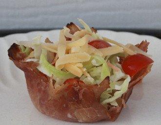 Tazze di prosciutto di insalata dello chef