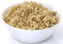 Quinoa cotta in ciotola bianca