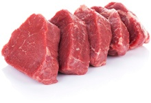 Tagliare pezzi di carne rossa