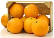 Arance fresche in una scatola