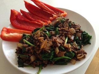 Carne di manzo macinata e verdure