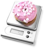 Ciambella zuccherata su una scala