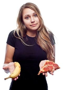 Donna confusa su cosa mangiare
