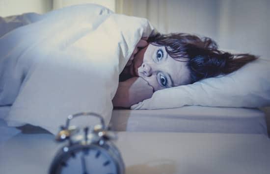 Donna che non riesce a dormire
